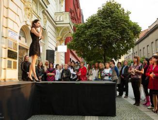 Moderace slavnostního otevření butiku Paradis fashion, Pardubice